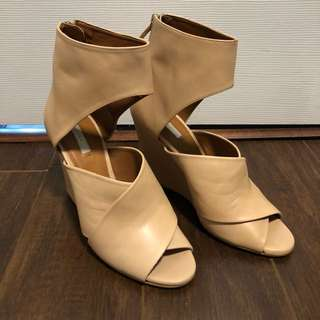 ZARA nude leather wedge sandals - size 37