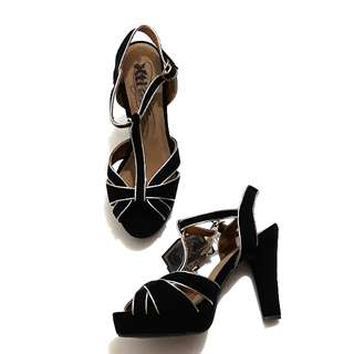 Brand new! XTI black sandals 39 YSL inspired