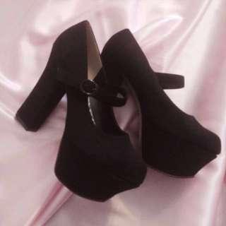 Black Platform Edgy Pumps Heels