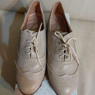 🚚 24粉紅尖頭休閒鞋