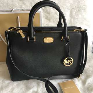 MICHAEL KORS  2 way bag 💯Authentic from new jersey 🇺🇸