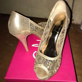 Sofab Sandals -Gold Size 38