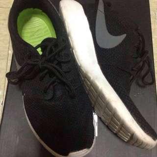 Rosherun Nike