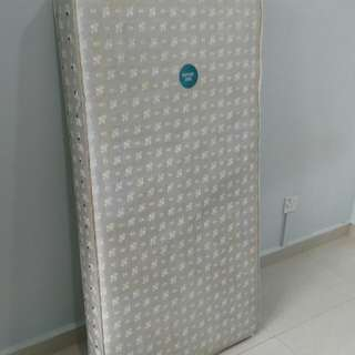 Kolcraft 2 IN 1 BABY TODDLER CEIB MATTRESS ( imported from the US )