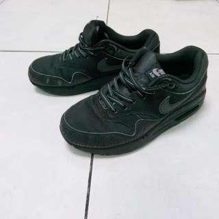 Nike air max鞋