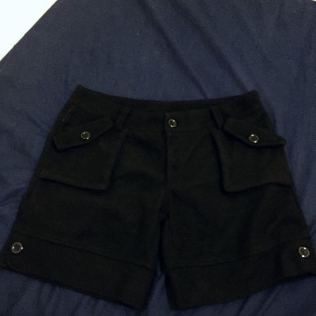 黑色冬天厚毛呢短褲