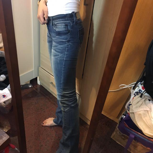 微喇叭牛仔褲