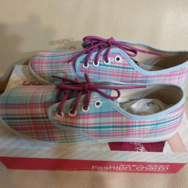 粉藍格休閒鞋