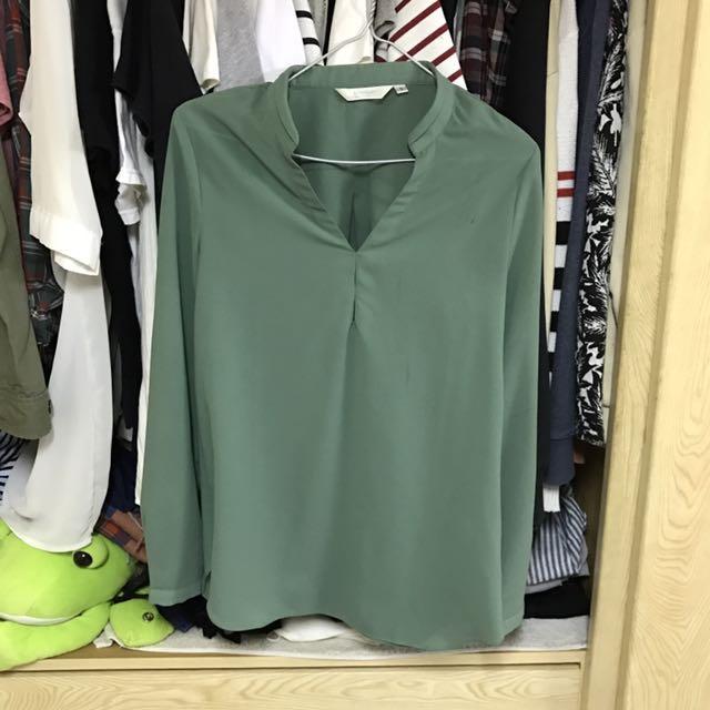 貓咪曬月亮 綠色雪紡上衣#我的女裝可超取