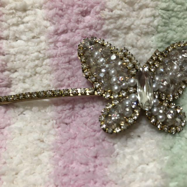 聖誕節🎄交換禮物🎁降價$⬇ 可愛氣質百搭_韓製蝴蝶抓鑽珍珠髪飾/髮夾(全新現貨)