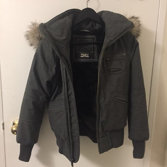 Aritzia TNA fall/winter jacket size xsmall