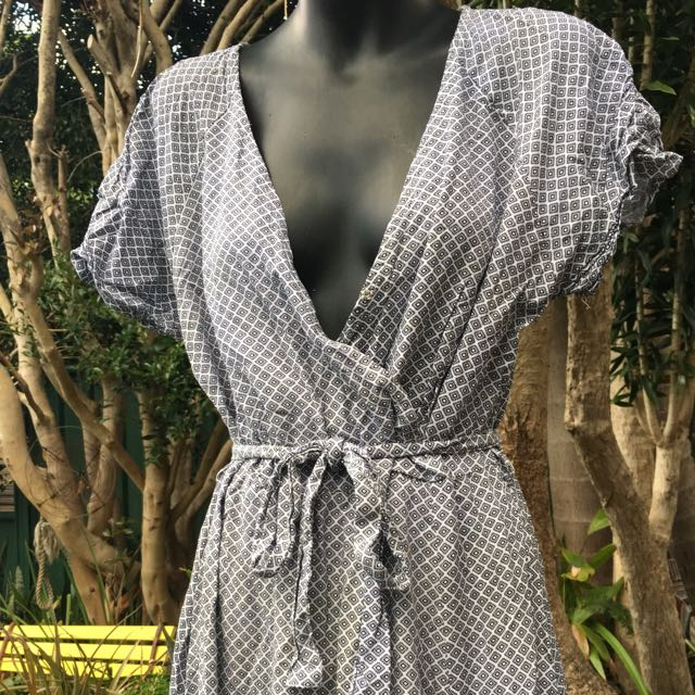 Atmos&here patterned maxi side split dress
