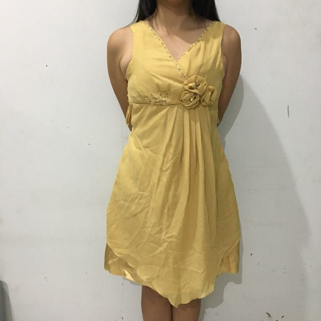 Baju Gaun Pesta Gold New Women S Fashion Women S Clothes On Carousell