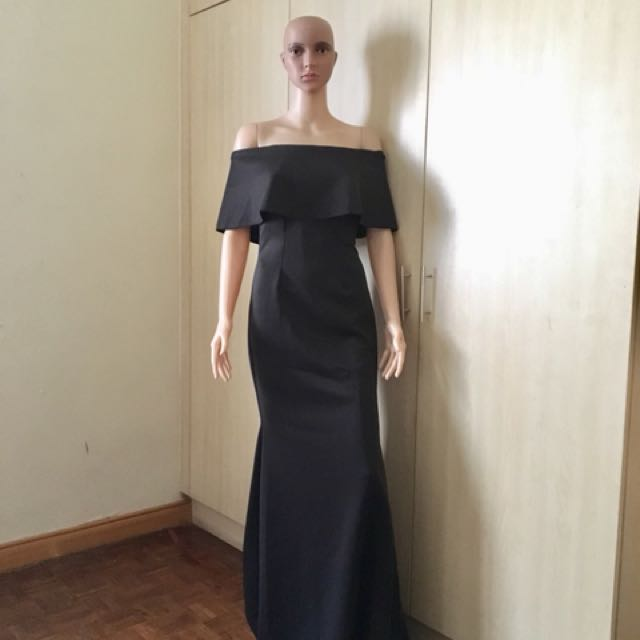 Black formal gown bnew