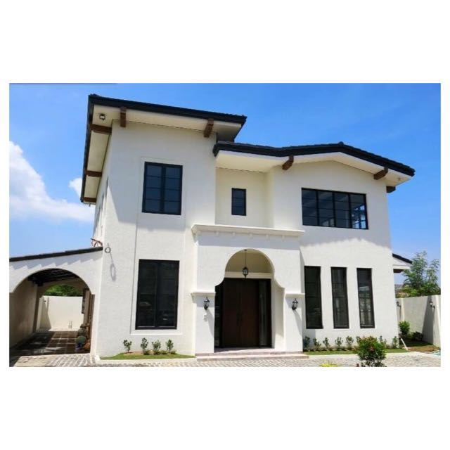 Brand New BF Parañaque House And Lot For Sale