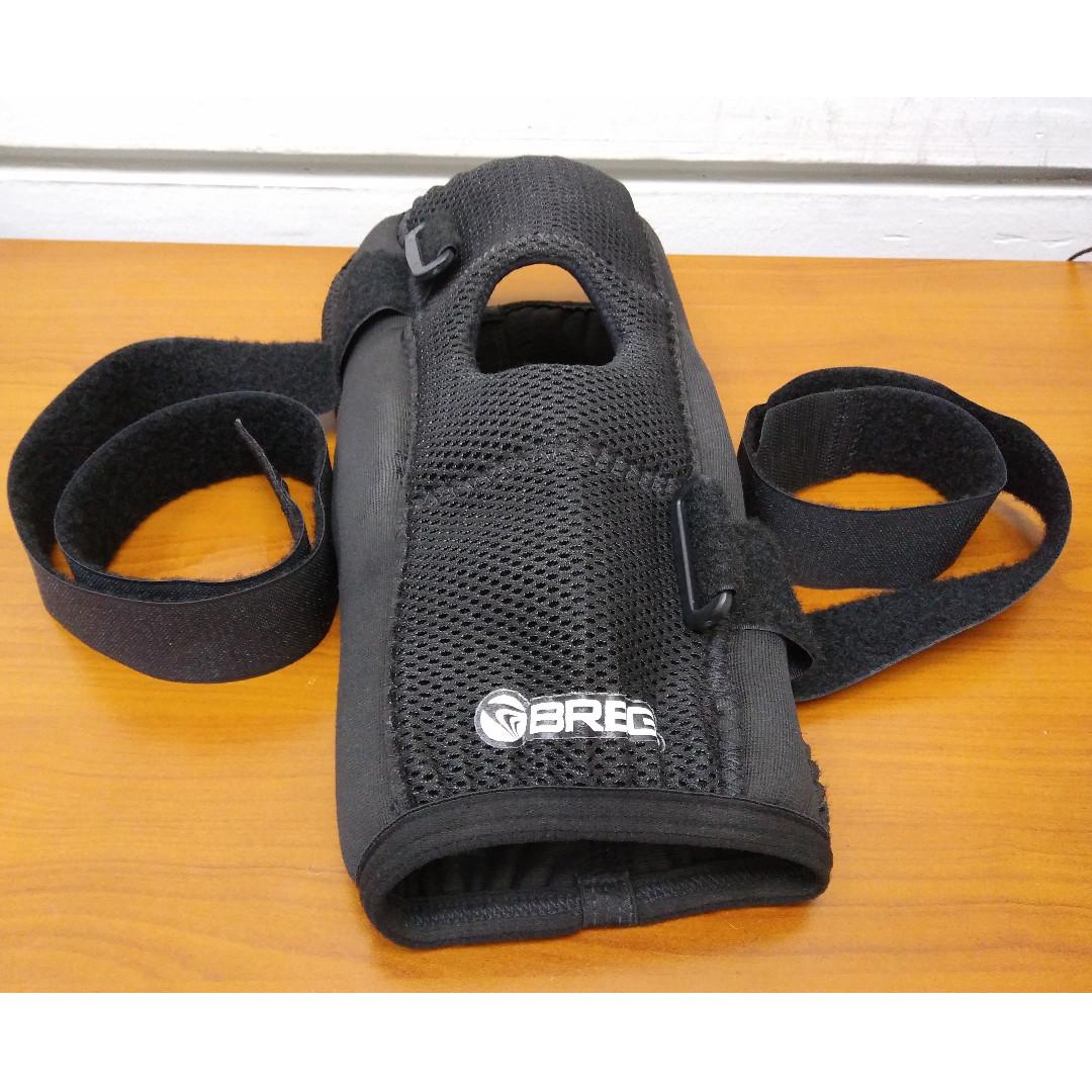 42b5183e08 Breg Economy Hinged Knee Brace, Sports, Sports & Games Equipment on ...