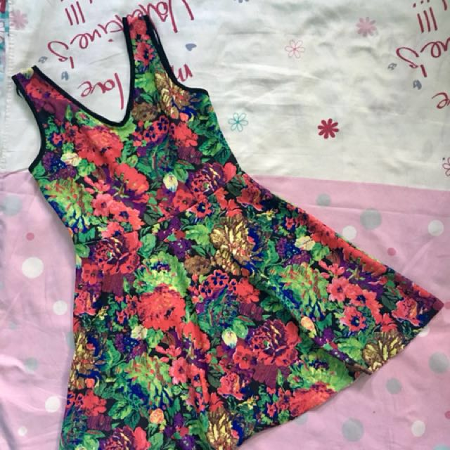 Buy 1 take 1 Dress (Floral and Plain)