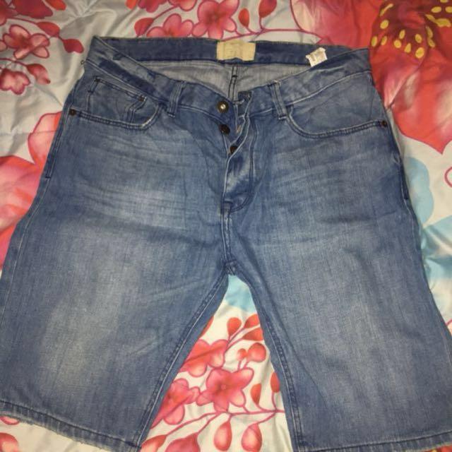 Celana Pendek Jeans by BERHSKA