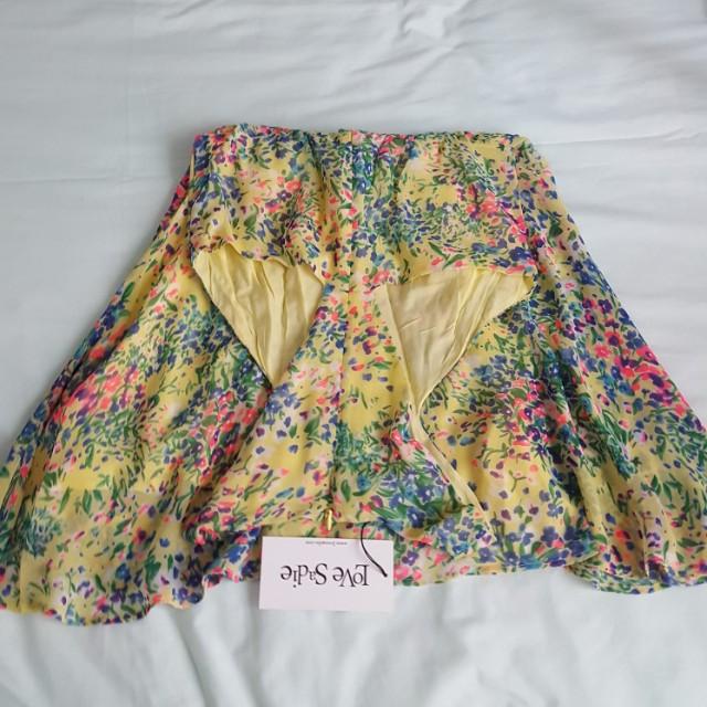 FLORAL DRESS BY LOVE SADIE SIZE XS-S