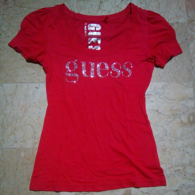 Guess T shirt (small)