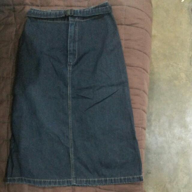 Highwaist Denim Black Skirt