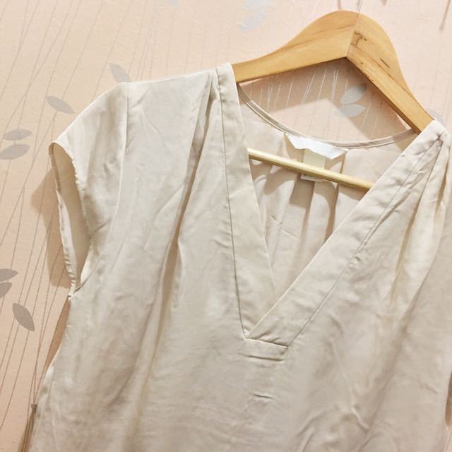 H&M Concious Elegant Top