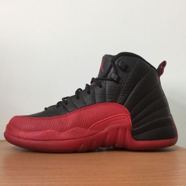 Jordan 12 flu game 黑紅