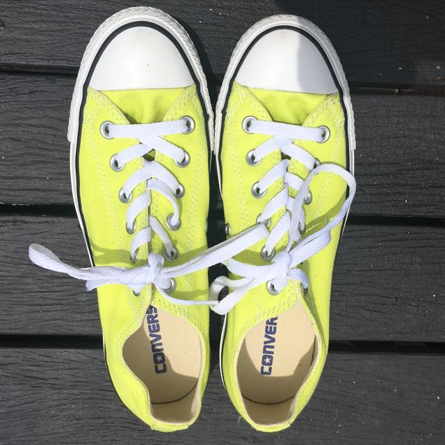 Lime green converse (W 8)