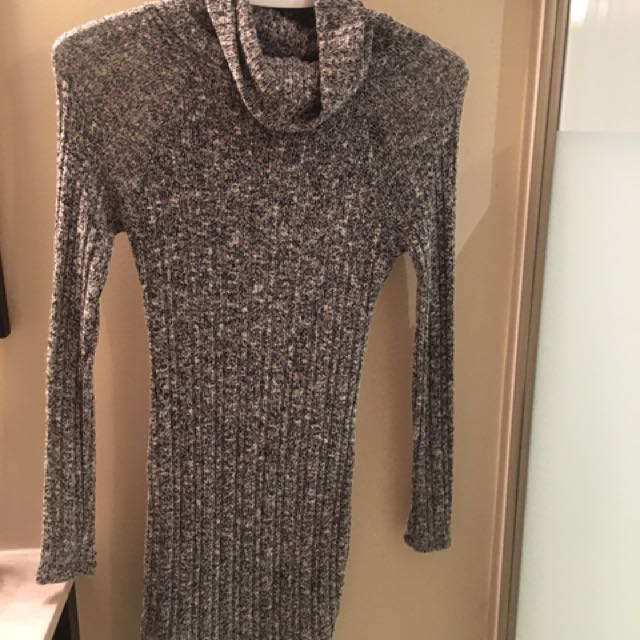 Mendocino grey sweater dress