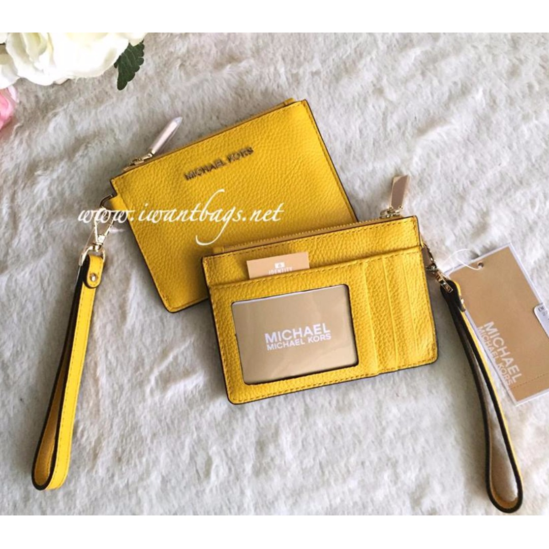 4a2ed602cfcf Michael Kors Mercer Small Coin Purse-Sunflower, Women's Fashion, Bags &  Wallets on Carousell