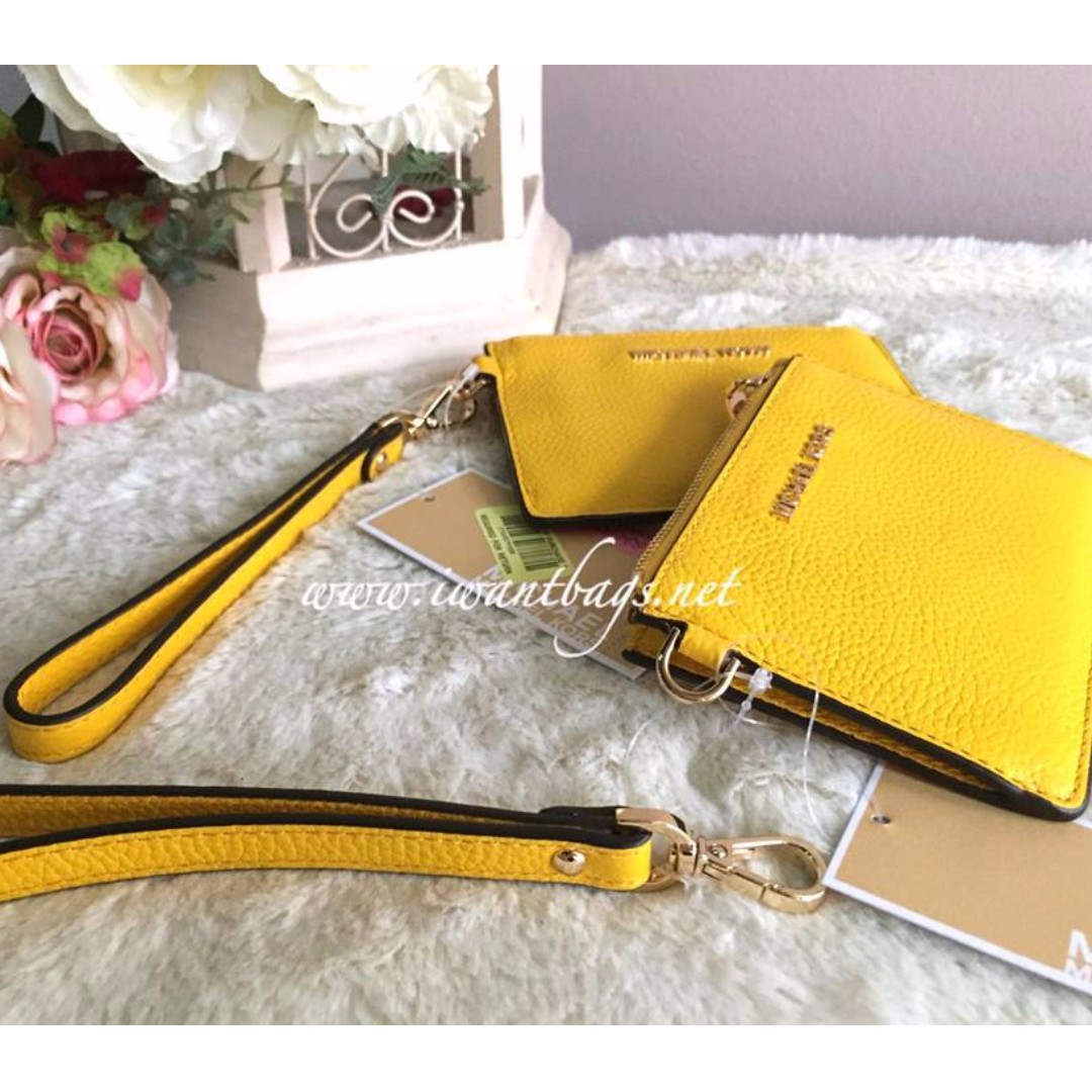 ddc7e746c90de2 Michael Kors Mercer Small Coin Purse-Sunflower, Women's Fashion, Bags &  Wallets on Carousell