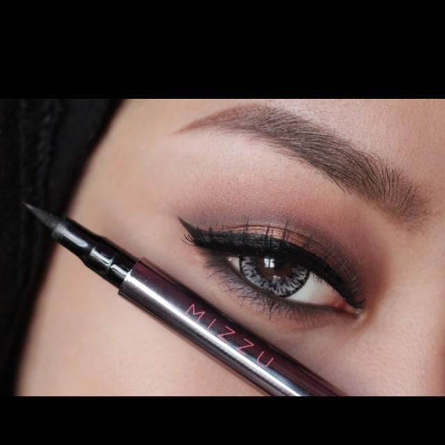 Mizzu Smart Eyeliner - Black