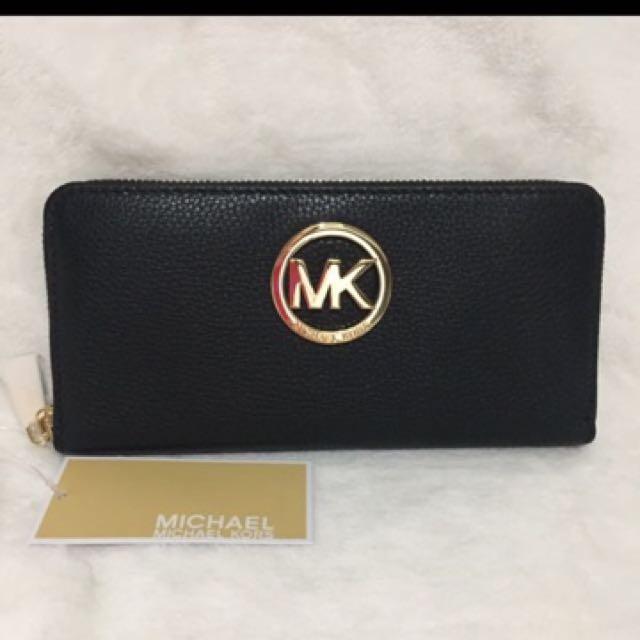 MK fulton leather wallet