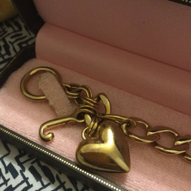 New juicy couture gold heart charm bracelet with box