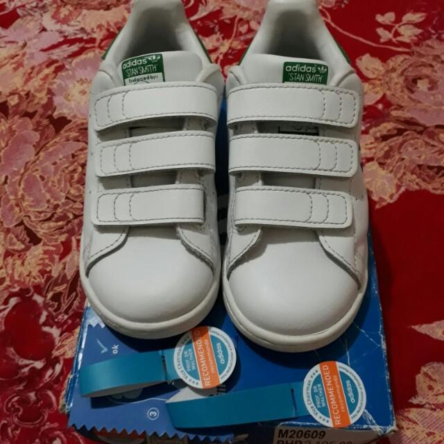 Originali Adidas Stan & Smith (Figli), I Bambini & Stan Ragazzi, Altri A Carousell 31fa7e