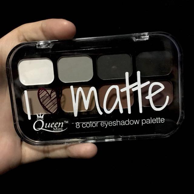 Queen Mint Eyeshadow Palette