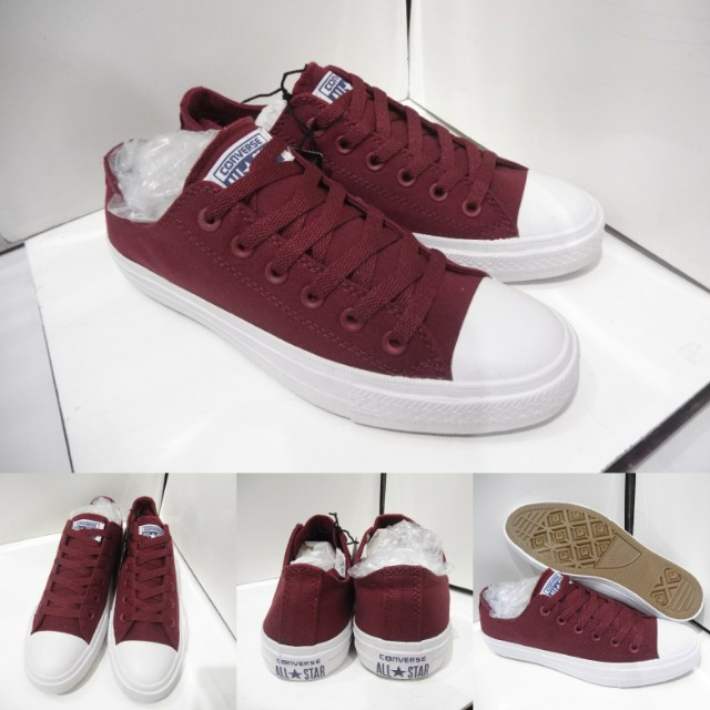 2b4f9f289290 Sepatu Kets Converse All Star Chuck Taylor 2 Classics Canvas Maroon ...