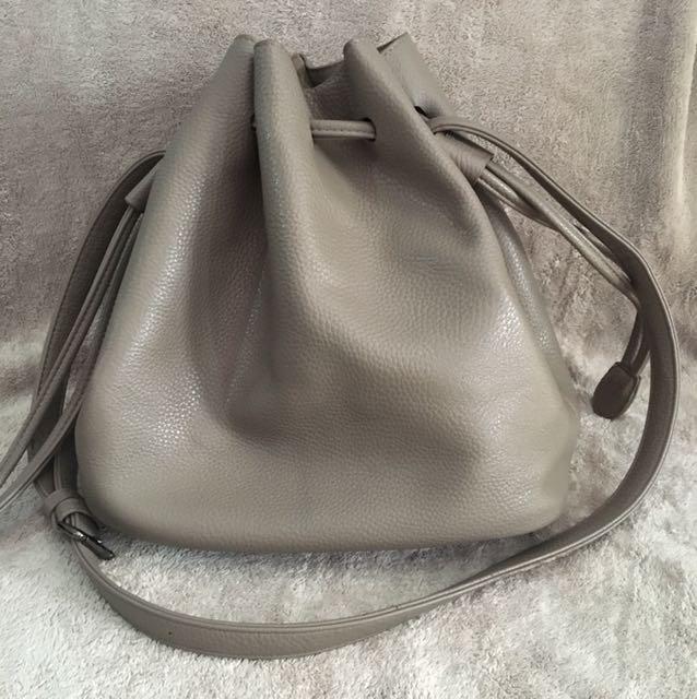Sg Brand Nude Gray Bucket Bag