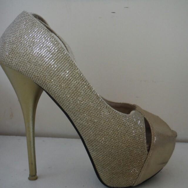 Size 7 Golden Heels