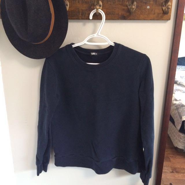 TNA Aritzia sweater size XS
