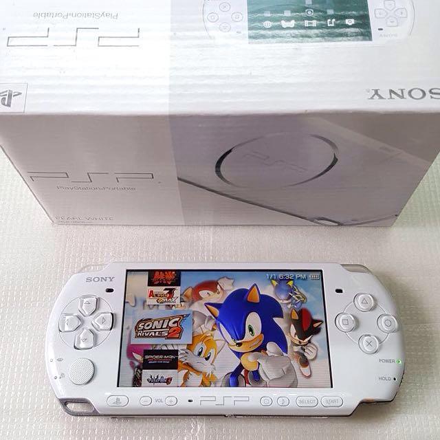 WHITE PSP 3000 FOR SALE