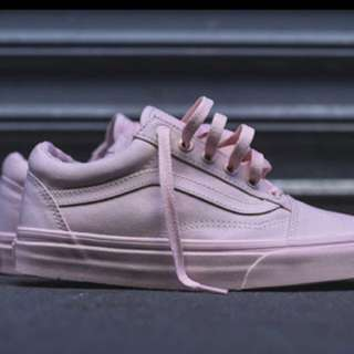 Old Skool Vans in pink
