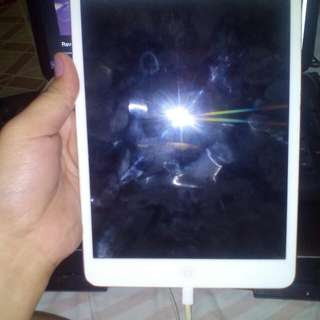 Free Shipping! DEFECTIVE (for parts) Ipad Mini 1 UNIT ONLY