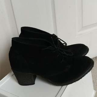 Hibou Heeled Booties size 37