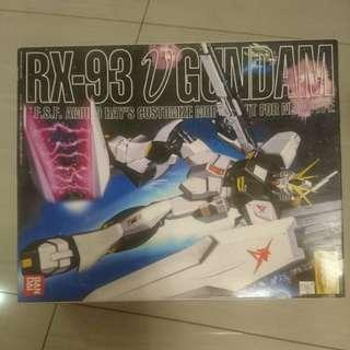 BAN DAI RX-93 V GUNDAM (MG)