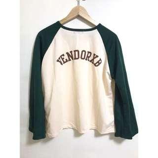 領口小V字母圖案寬袖上衣棒球上衣