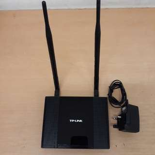 Wireless Router TP-Link 300MBps ( Negotiable if its Affordable)