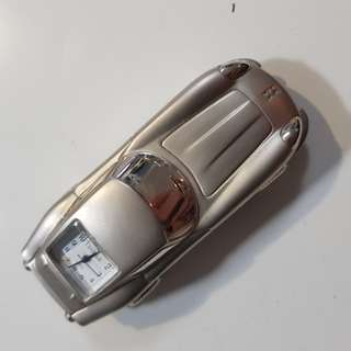 Silver car clock perfect for a desk