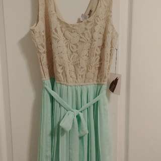 Forever 21 lace/chiffon dress S/P