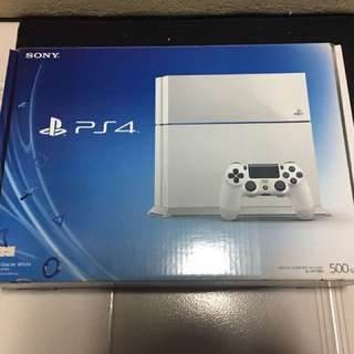 WTS: in good condition PS4 white 500GB